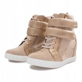 Beżowe zamszowe sneakersy na rzepy Amelia beżowy 2