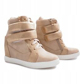 Beżowe zamszowe sneakersy na rzepy Amelia beżowy 4