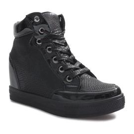 Czarne lakierowane sneakersy na koturnie Snake 1