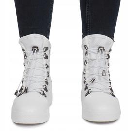 Białe ażurowe sneakersy na koturnie Mathilde 1