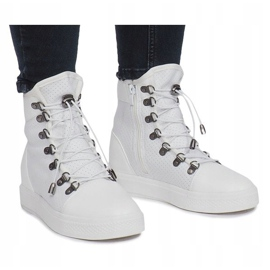 Białe ażurowe sneakersy na koturnie Mathilde 2