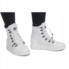 Białe ażurowe sneakersy na koturnie Mathilde 3