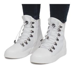 Białe ażurowe sneakersy na koturnie Mathilde 4