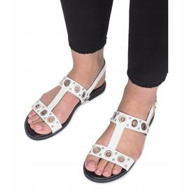 Białe płaskie sandały z ćwiekami Saint 4