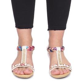 Białe sandały na delikatnej koturnie Ruixin 1