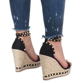 Czarne sandały na koturnie z ćwiekami Lov'it 4