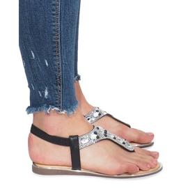 Czarne płaskie sandały z diamentami Larissa 3
