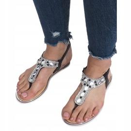 Czarne płaskie sandały z diamentami Larissa 5