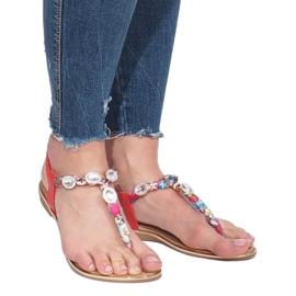 Czerwone płaskie sandały z diamentami Desun 3