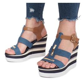Niebieskie sandały na koturnie Sweet 1