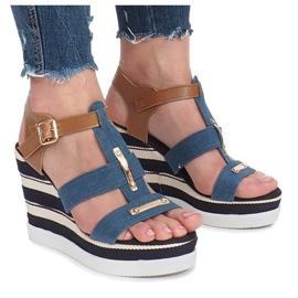 Niebieskie sandały na koturnie Sweet 2