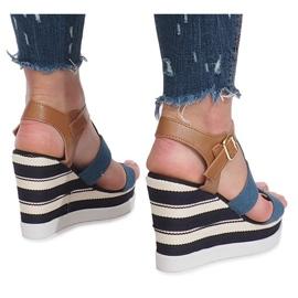 Niebieskie sandały na koturnie Sweet 4