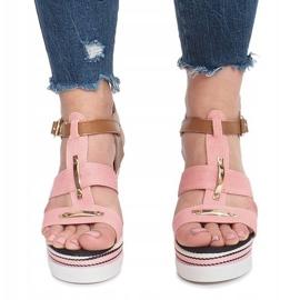 Różowe sandały na koturnie Sweet 1