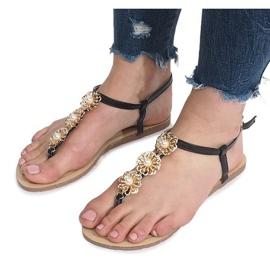 Czarne płaskie sandały z perłami Okra 3