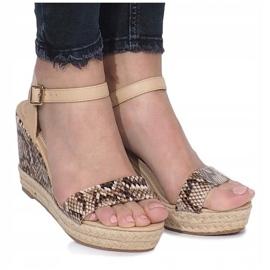 Beżowe sandały na koturnie espadryle Busy brązowe 1