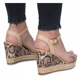 Beżowe sandały na koturnie espadryle Busy brązowe 3