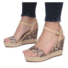 Beżowe sandały na koturnie espadryle Busy brązowe 4