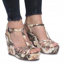 Beżowe sandały na koturnie espadryle Beige Flowers beżowy 1