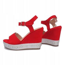 Czerwone sandały na koturnie Travel 4