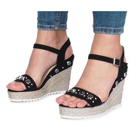 Czarne sandały na koturnie Glam Shine 3