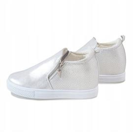 Srebrne ażurowe sneakersy na koturnie DD383-2 szare 4