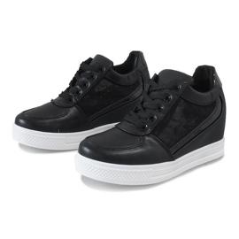 Czarne sneakersy na koturnie z koronką MY562 3