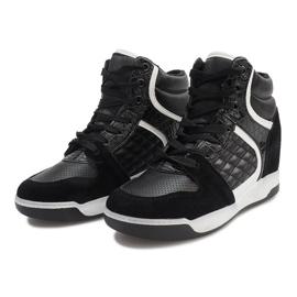 Czarne sneakersy na koturnie K-26 4
