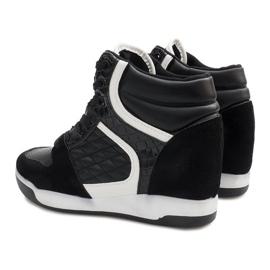 Czarne sneakersy na koturnie K-26 5