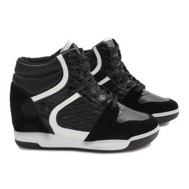 Czarne sneakersy na koturnie K-26 6