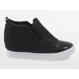 Czarne sneakersy na koturnie DD410-4 2