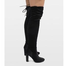 Ideal Shoes Czarne welurowe kozaki na słupku E-4902 2