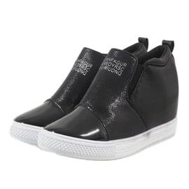 Czarne sneakersy na koturnie DD392-4 3