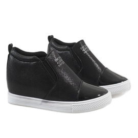 Czarne sneakersy na koturnie DD392-4 5