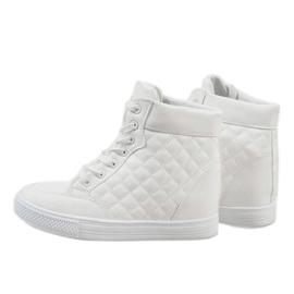 Białe sneakersy na koturnie pikowane DD478-2 3