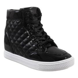 Czarne sneakersy na koturnie pikowane DD478-1 1