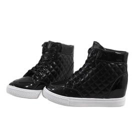Czarne sneakersy na koturnie pikowane DD478-1 4