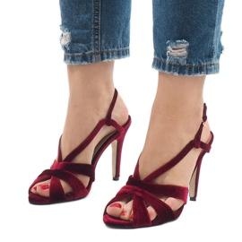 Czerwone zamszowe sandały szpilki 9095-138 1