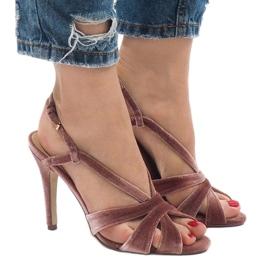 Różowe zamszowe sandały szpilki 9095-138 4