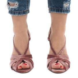 Różowe zamszowe sandały szpilki 9095-138 2