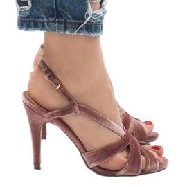 Różowe zamszowe sandały szpilki 9095-138 5