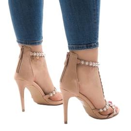 Nude sandały na szpilce z ćwiekami 8296-Y 2