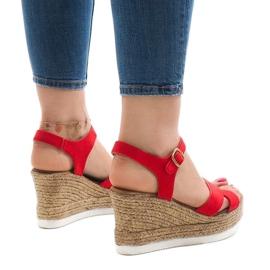Czerwone sandały na koturnie XL104 3