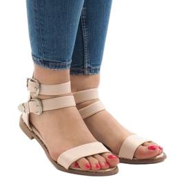 Różowe płaskie sandały z klamerką 170 1