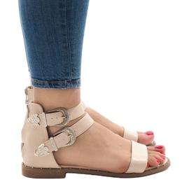 Różowe płaskie sandały z klamerką 170 2