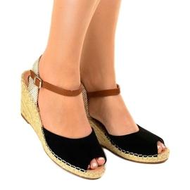 Czarne sandały na koturnie 2895 1