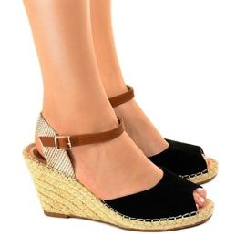 Czarne sandały na koturnie 2895 2