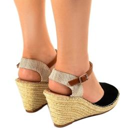 Czarne sandały na koturnie 2895 3