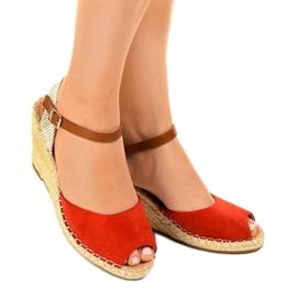 Czerwone sandały na koturnie 2895 1