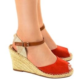 Czerwone sandały na koturnie 2895 2
