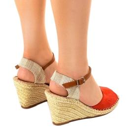 Czerwone sandały na koturnie 2895 3